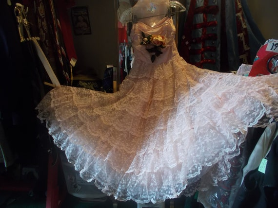 1950s Pink Tiered Lace Strapless Gown-S
