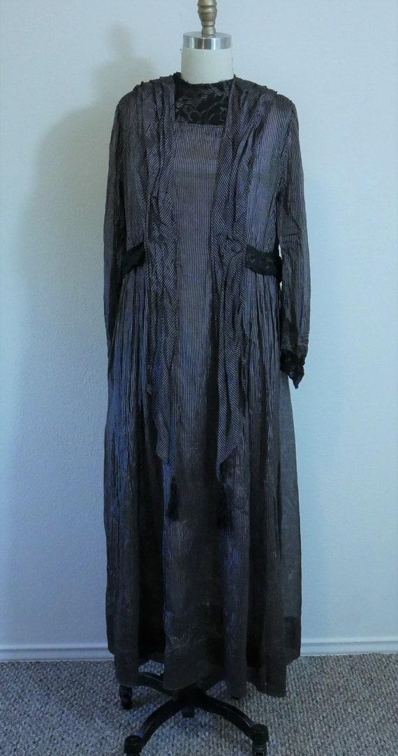 1910s-20s black and purple dress