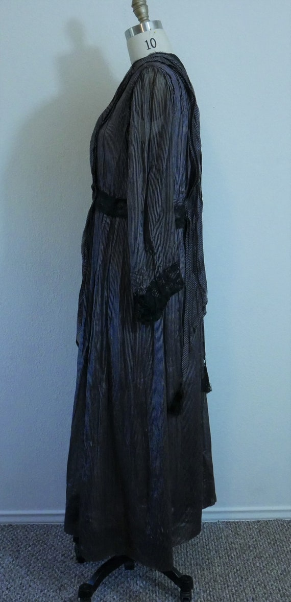 1910s-20s black and purple dress - image 2