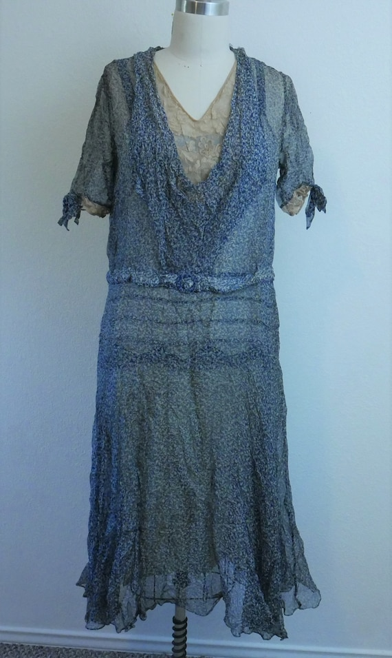 Delicate chiffon dress 1920s