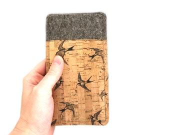 Handytasche aus Filz und Kork mit Vögelchen, Maßanfertigung passend für dein Handy