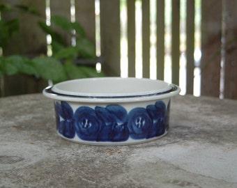 Arabia Anemone pattern 9 inch vegetable bowl
