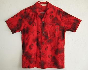 Vintage 50s 60s Royal Hawaiian Red Cotton Island Map Print Aloha Hawaiian Shirt size M