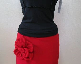 Lovely red skirt with rose decoration plus made in USA (V170)