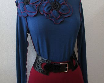 Blue color long sleeves top with 2 roses decoration in front plus made in USA (vn16)