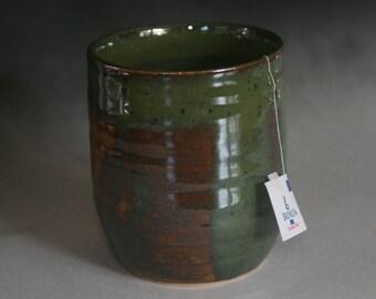 Cup Tumbler Vase in Silky Green