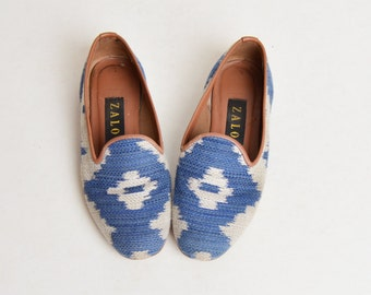 68e0b22ecc5 Vintage 90s Zalo Woven Needlepoint Loafers   1990s Blue Blanket Tapestry  Shoes 6.5 36.5