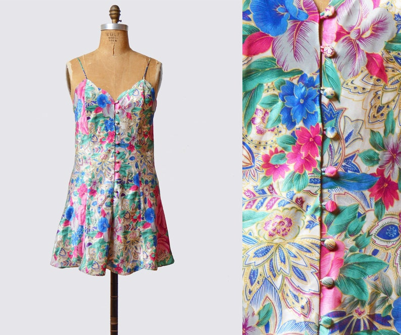 Vintage 90s Lingerie Nightgown Floral Slip Dress Mini Button Up Victoria/'s Secret 1990s Chemise Spaghetti Strap Satin Nightie Pink Medium