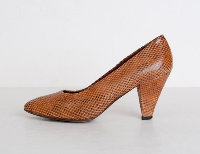 987ac6f3d6b Vintage 80s Brown Snakeskin High Heel Pumps / Classic Leather Pumps Shoes 7