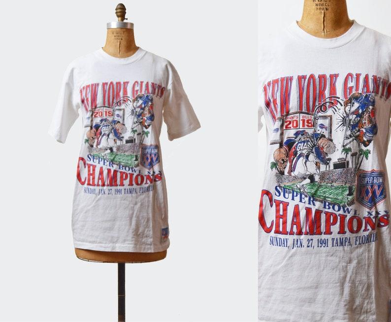 f5adbf6af Vintage 90s Football Shirt New York Giants TShirt 1990s NFL Super Bowl XXV  T Shi... Vintage 90s Football Shirt New York Giants TShirt 1990s NFL Super  Bowl ...