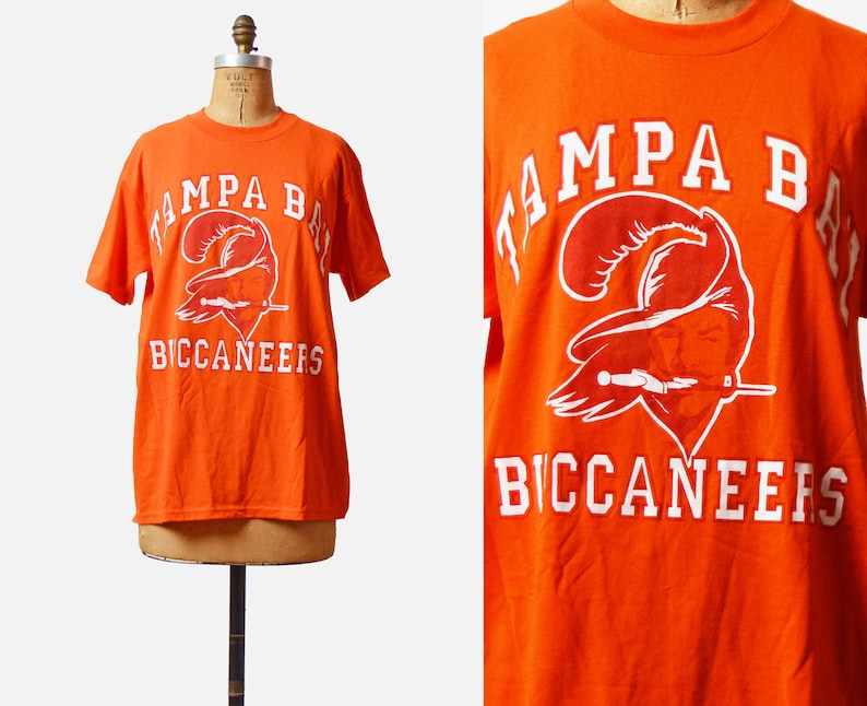 best sneakers 40832 ad6b6 Vintage 90s Football Shirt TAMPA BAY BUCCANEERS Jersey TShirt / 1990s  American Football T Shirt Retro Tee Sports Top Graphic Medium