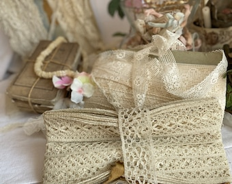 Antique Lace, Vintage Off White Bobbin Lace Trim,  2m Vintage Wedding Sewing Supplies /Period Costume French Haberdashery NOS