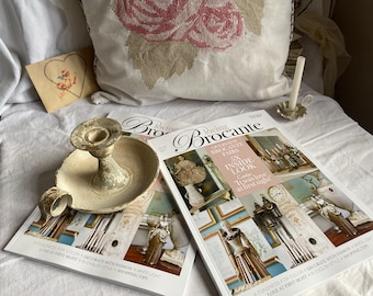 Loving Brocante Magazine. Vintage & Shabby Chic Interiors Decorating. BrocanteArt Chic Style. No.3 /21 Faded Interiors Decor Collector