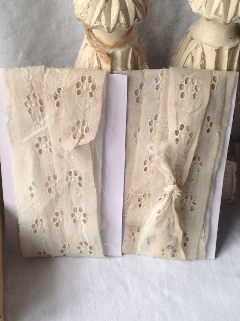 Antique Lace Vintage Lace Trim. Off White Broderie Anglaise image 0
