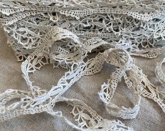Vintage Lace Trim, Linen Bobbin lace, Shelf Edging. Antique Fabric. Period Costume French Furnishings & Decor/ 2m