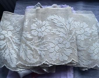 Antique lace. Vintage Shelf Edging. Floral Fillet lace/ Vintage Decor. Country Living BrocanteArt Style/ sold by metre