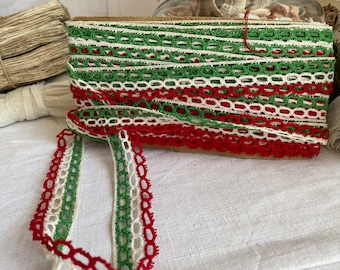 Vintage Lace Trim. Green White & Red Bobbin Lace. Antique French Lace. Haberdashery Dolls Bears Home Furnishings, Sewing Supplies NOS / 3m