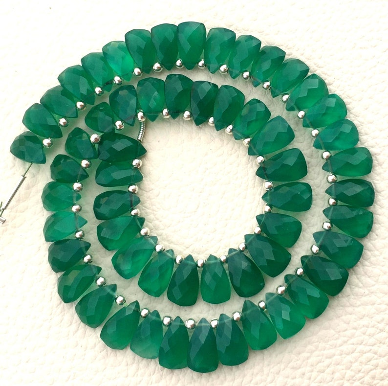 New Arrival 7 Inch Strand,Amazing Rare Item Amazing Green Onyx Faceted Pyramid Shape Briolettes 10x6mm