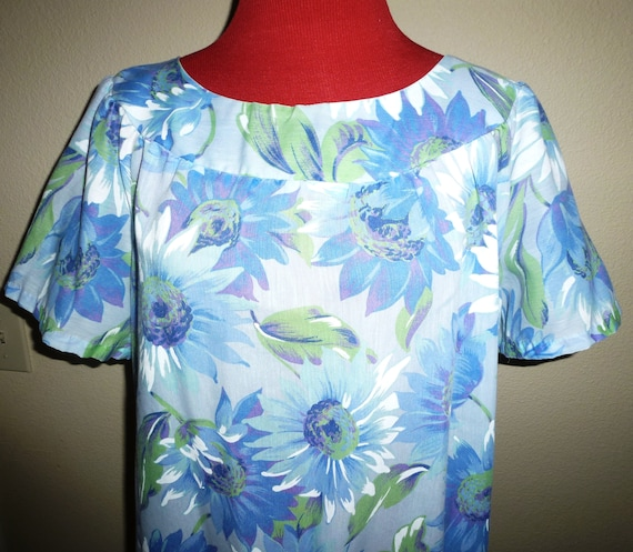 Vintage 60s 70 Muumuu Light blue Purple Big Flower Hedy Lin Casuals Dress M Med