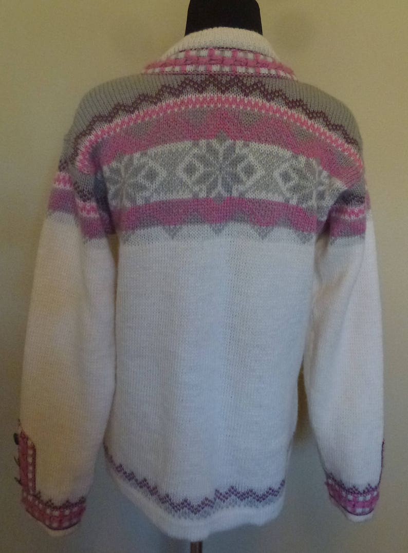 Vintage 70s Ivory Norlander Norwegian Wool Sweater Carved Pewter Hook Front Pink Gray Purple Nordic Cardigan L Lg Large XL