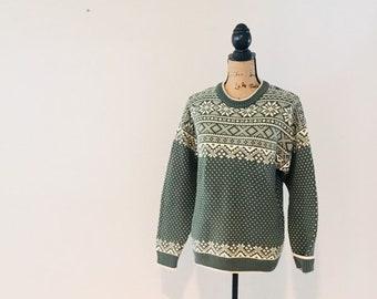 d57643ac944 Vintage Mens LL Bean Sweater   Green and Cream Cotton Fair Isle Unisex  Pullover Ski Sweater   Men Size Medium
