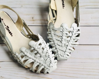 76f8ff68ff6c Vintage 1980 s White Huaraches Sandals   Woven Leather Ankle Strap Summer  Shoes Woman s Size 8 USA