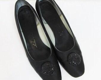 Vintage 1950's Formal Black Satin Pumps / Woman's Shoes Size 7.5 DELMAN Ladies Heels