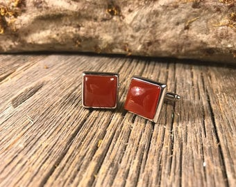 French Cufflinks: Red jade, 14/17mm, square