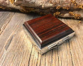Wood/ Wooden Pill box/ Keepske container: AAAA Coco Bolo. 4 partitions, 1 compartment