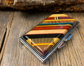 Wood/ Wooden Pill box:  Kunterbunt, Multiple natural and colored woods, 7 partitions, 1 compartment