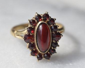 Vintage Italian 14k Gold Garnet Ring