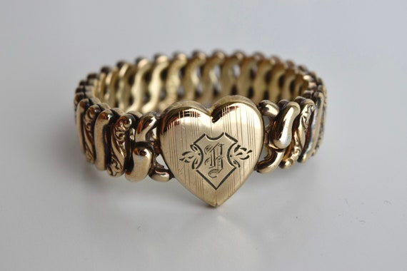 Vintage Sweetheart Expansion Bracelet With B Monog