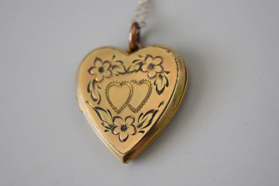 Vintage Heart Locket / Gold Filled Sweetheart Lock