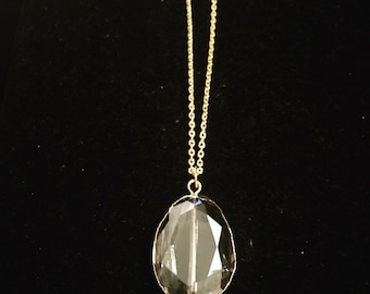 Light Luster Pendant Necklace