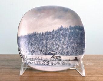 Arabia Finland Winter In Lappland Small Wall Plate by Anita Rantanen-Siemers
