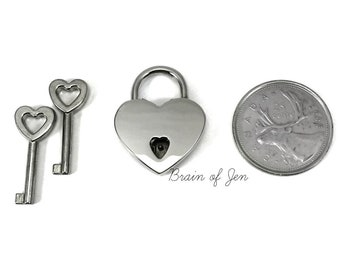Small Heart Shaped Padlock Working Lock with Keys for Day Collar