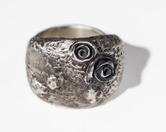 volcanic texture oxidized silver dome ring with roses