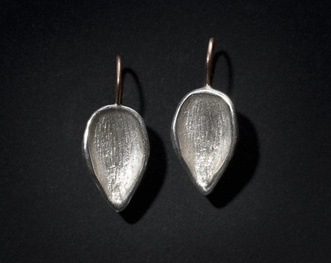 Featured listing image: texturized leaf silver earrings with 14K rose gold wire