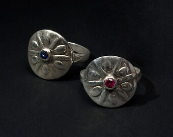 sand dollar silver ring with ruby or blue sapphire