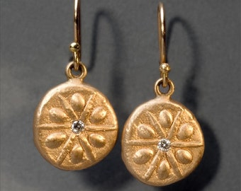 sand dollar gold earrings with diamonds