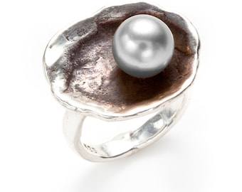 oyster shell oxidized silver ring with fresh water pearl