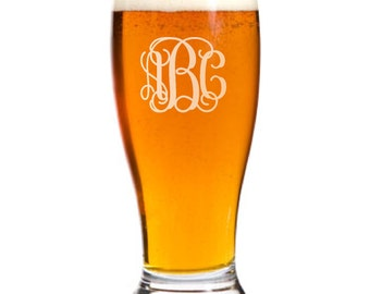 13 Personalized Pilsner Pub Beer Glass Custom Engraved Vine Monogram Wedding Gift.