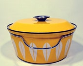 Potluck... Vintage 60's Cathrineholm Norway Yellow Lotus 4 Quart Dutch Over Pan
