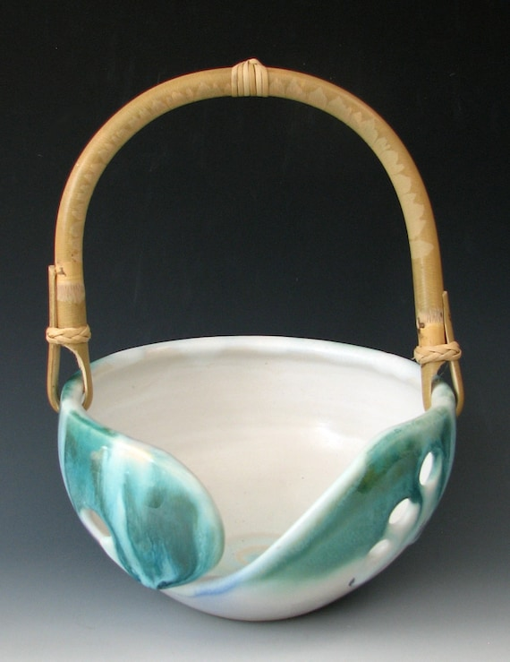 STONEWARE KNITTING BOW