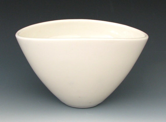 TRANSLUCENT PORCELAIN BOWL
