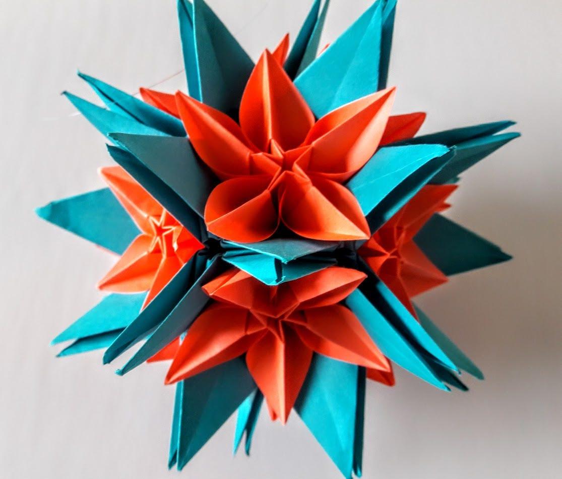 3d Origami Crinum Kusudama With Carambola Flowers Etsy
