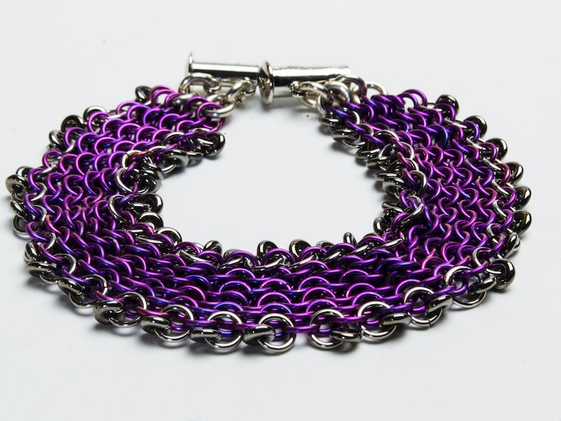 Violet Niobium Micromaille Chain and Link Bracelet