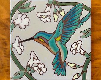 6x6 Hand glazed Ceramic Hummingbird with Trumpet Vine Tile