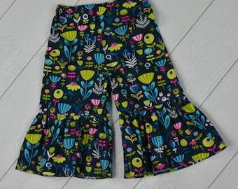Flower Power Ruffle Pants 2t