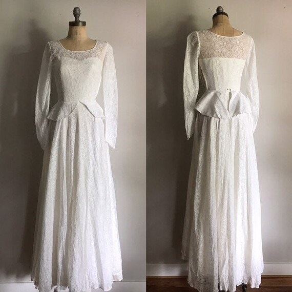Lace Wedding Dress . Floral Antique Gown . XS